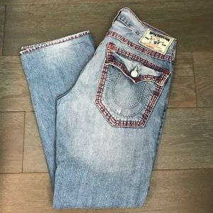 TRUE RELIGION MEN JEANS. Size:33x32